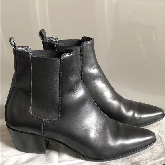 49513f0eac8c5 Authentic Saint Laurent Rock 40 Chelsea boots. M 5c76f4be819e90f1e637b708